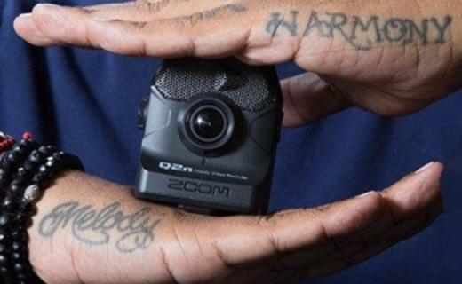 Zoom Q2n攝像機:小巧輕便好攜帶,自適應調節光線