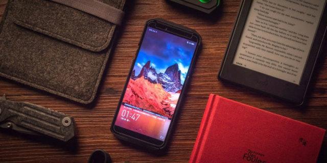 黑鲨Helo手机,手机中的超跑,拉着100个APP仍然顺畅吃鸡