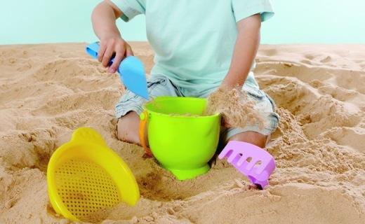 Hape沙滩冒险玩具:小型沙滩搬回家,孩子百玩不厌