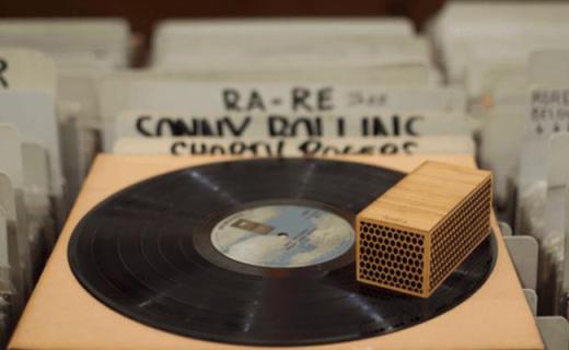 世界最小的黑胶唱片机,随时随地都能听唱片