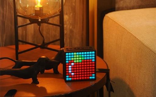 Divoom Timebox蓝牙音箱:自带100颗LED灯屏幕,可自定义图案