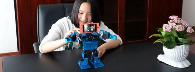 视频   IronBot多模块编程机器人,科学启蒙从玩开始