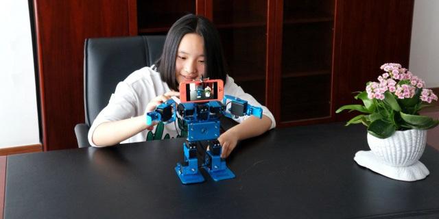 视频 | IronBot多模块编程机器人,科学启蒙从玩开始