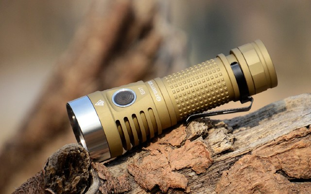 氛围温馨 功能强大——FIREFLIES萤光E07手电测评