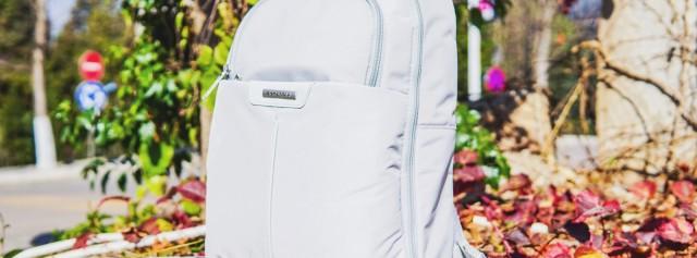 简约时尚特能装,有了它旅行路上再无难题 — 新秀丽双肩背包评测 | 视频