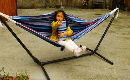 """长着""""腿""""的床,让你夏能乘凉,冬能晒太阳 —  VIVERE户外庭院休闲棉布吊床体验"""