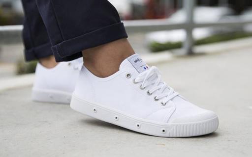别追着买椰子AJ了,帆布鞋照样可以帅翻整条街