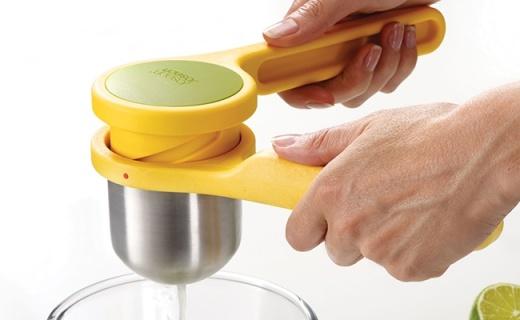 最省力的挤柠檬器,食品级材料,轻轻一扭挤出柠檬汁