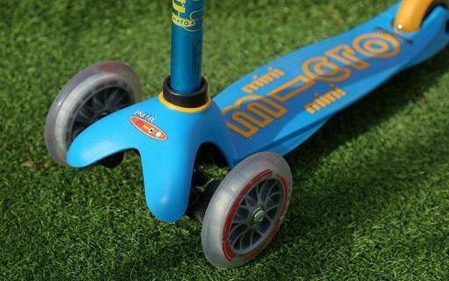 micro儿童三轮滑板车,给孩子更好的滑行体验   视频
