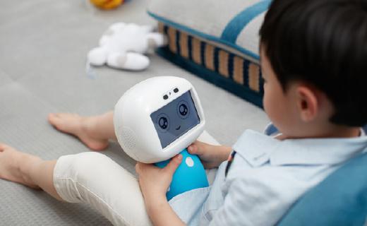 有云端知识库的儿童机器人,跟孩子一同成长!