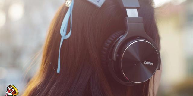 主动降噪30小时,在嘈杂的世界中还你一个清净 — 魅动E7-PRO主动降噪蓝牙耳机