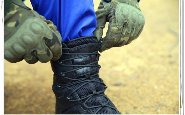 军警专供的八爪鱼战术靴穿着是什么感觉?