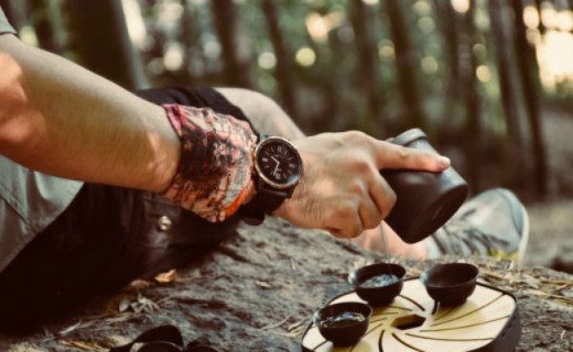 军拓铁腕5智能户外手表体验,循迹返航让你探险不怕迷路