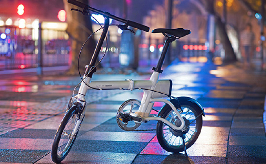 折叠只有0.2平方米的电单车,颜色鲜艳动力十足