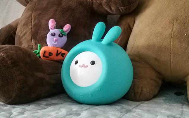 米兔变小了,比小爱音箱更可爱好玩,小寻AI早教故事机简评