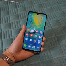 手机美到极致是一种怎样的体验?华为mate20翡冷翠入手使用体验
