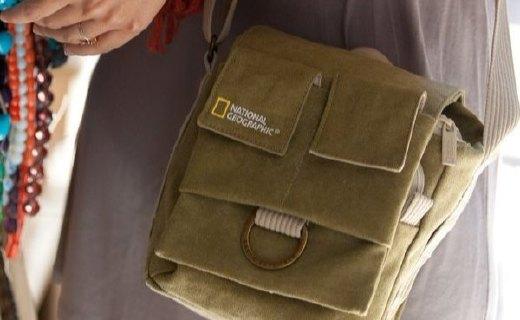 国家地理相机包:环保材料结实耐磨,贴心口袋轻松置物