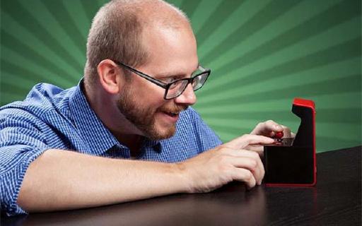 世界最小街机,让你在裤兜里装个游戏厅!