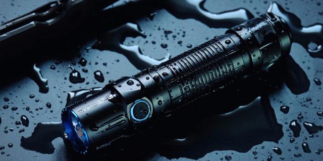 谁对你开远光,你就用这款电筒亮瞎他的狗眼 — OLIGHT M2T入手体验
