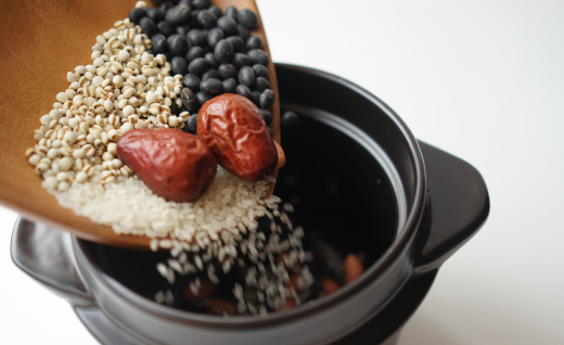 古法陶土炊火饭,让好米饭会说话的黑乐米锅