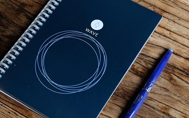 能反复使用的笔记本,我用它集齐中国男篮签名 | 视频