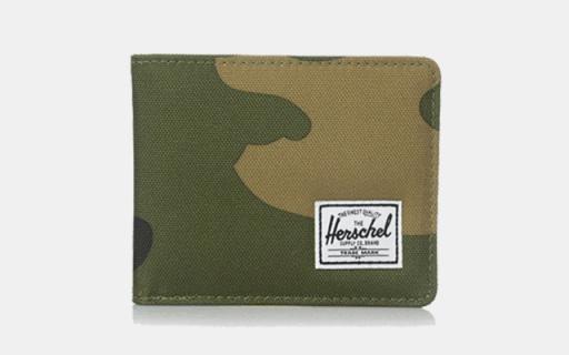 Herschel Supply Co. 钱包:尼龙材质防磨耐用,迷彩图案简约时尚