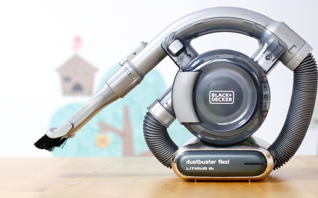 轻便小巧无线吸尘器,一机多用汽车都能清理   视频