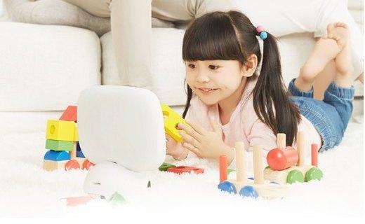 糖猫在家智能机器人:实时查看孩子情况,安全、学习一机搞定