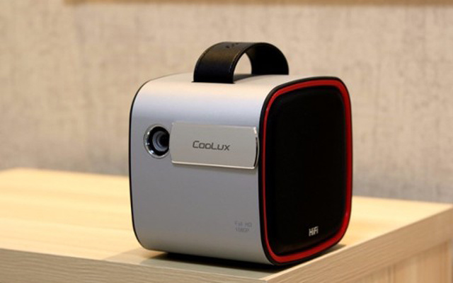 超强的视听体验,家用高清投影仪性价比之选 — 酷乐视 R4 家用投影仪评测