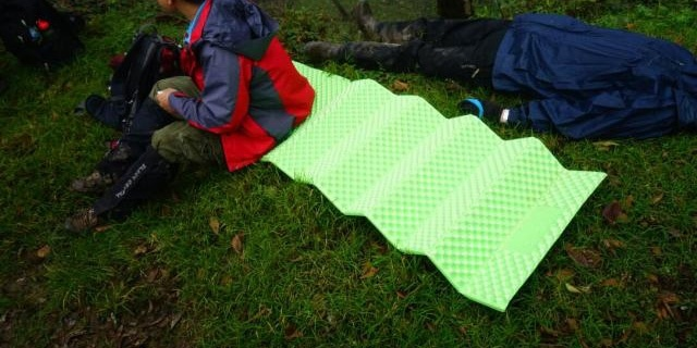 户外席梦思,山之泉Mountain Spring 折叠型防潮垫
