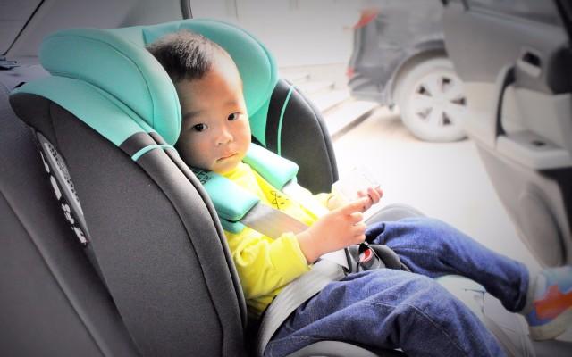 舒适安全高颜值,男女分档设计的虎贝尔儿童安全座椅