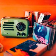 来自20世纪70年代的复古追忆,猫王旅行者2号收音机体验