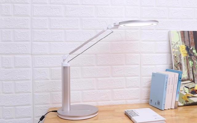1599护眼台灯不带电池,是否值得买呢?-孩视宝LED书桌护眼台灯测评
