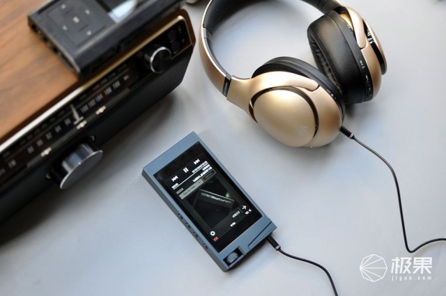 国产最强,优秀降噪,出众音质——惠威AW85主动降噪蓝?#34013;?#26426;评测