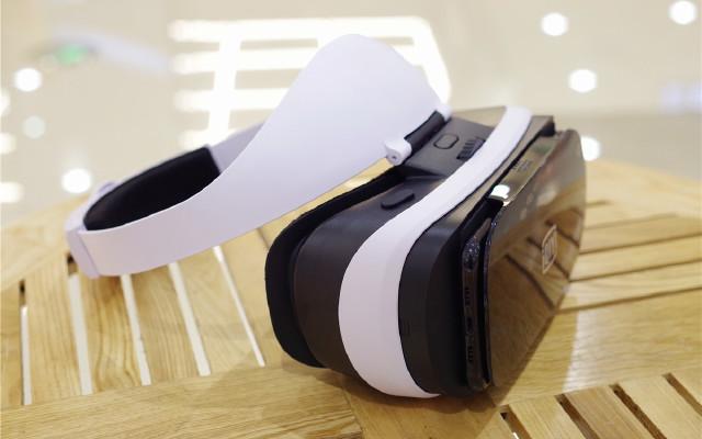 海量资源,超强沉浸感,VR眼镜入门之选 — 爱奇艺小阅悦PRO VR眼镜体验