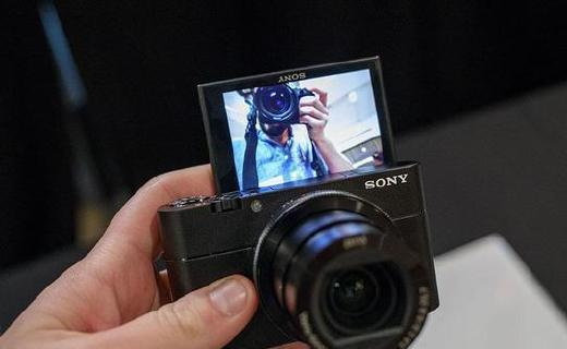 索尼发布黑卡相机:持续连拍增加,细节还原更强