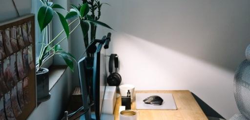 设计师的福音,BenQ WiT ScreenBar智能阅读屏幕挂灯体验