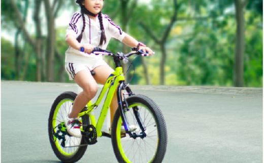 小学生专属山地车:全地形轮胎,前后反光更安全