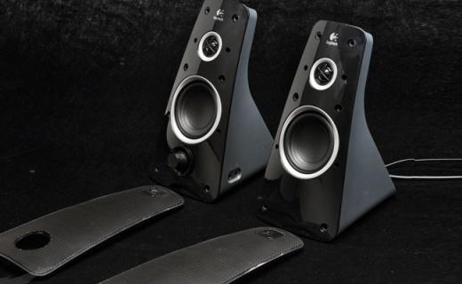 罗技Z323音箱:前后双扬声器,出色音质身临其境