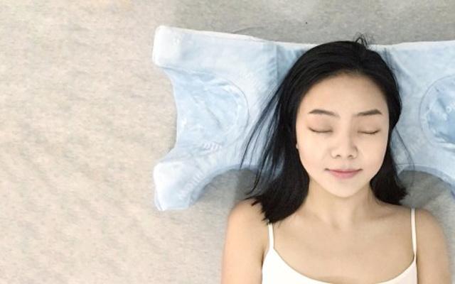 睡觉一定要选对枕头,否则可能会越睡越老 — Face Pillow 脸枕 专业侧睡枕体验