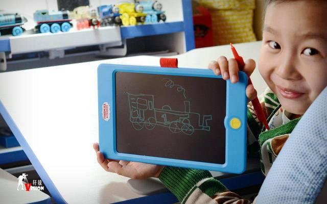 给童年来点黑科技,托马斯TH1703儿童智能手写板上手体验