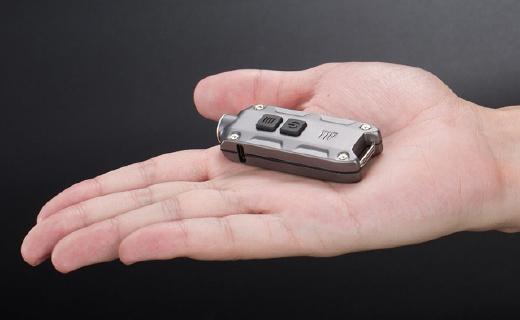 奈特科爾TIP手電筒,300流明亮度,射程74米!