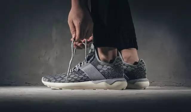 王思聪、贝克汉姆抢着买的阿迪鞋,什么鬼?