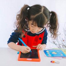 轻薄易带 干净卫生,让喜欢绘画的孩子随意涂抹 — 托马斯和朋友 儿童绘画板 体验
