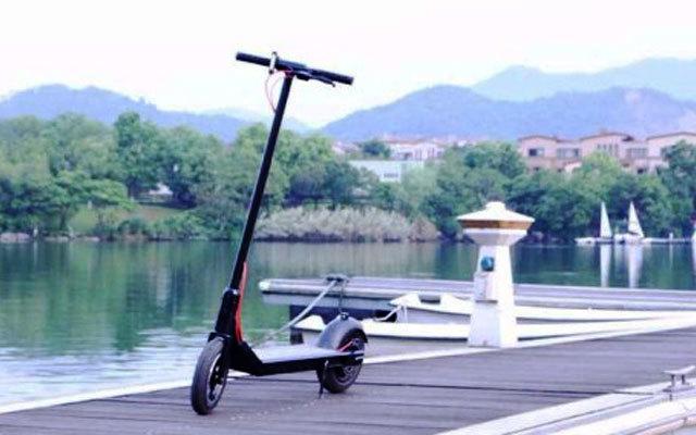 五公里内出行利器,让你告别堵车 — RND电动滑板车评测 | 视频