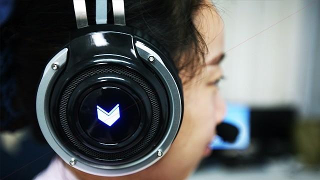 环绕立体声,酷炫彩色灯-雷柏VH100S