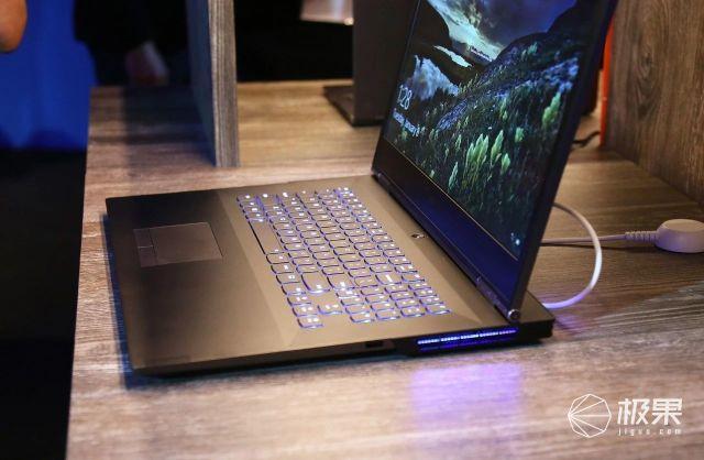 逆向刘海、麒麟臂…史上最骚电脑问世,设计师脑子有个大洞!