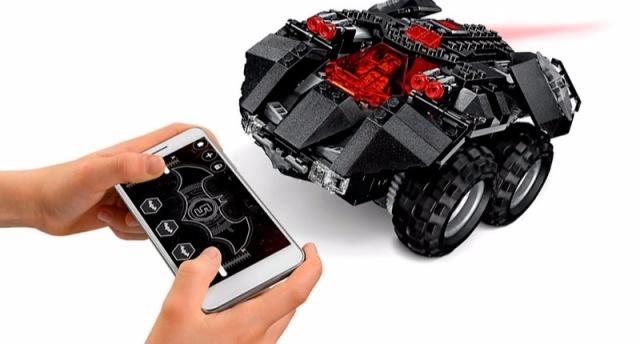抢钱乐高再发新品:可开车门的蝙蝠车,用APP遥控