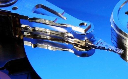 100T !全球最大固态硬盘诞生,一块能顶一辆车