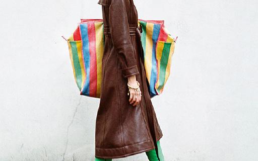 巴黎世家超大手工牛皮编织袋,时尚果然不好懂